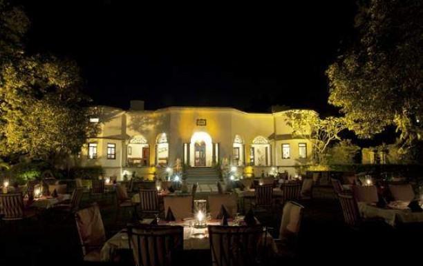 1559-ad-restaurant3.jpg