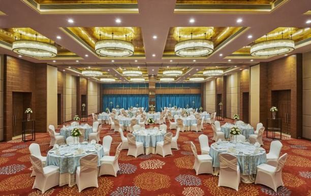 banquet-hall-in-hilton.jpg