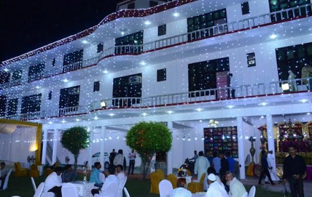 divyansh-palace5.JPG