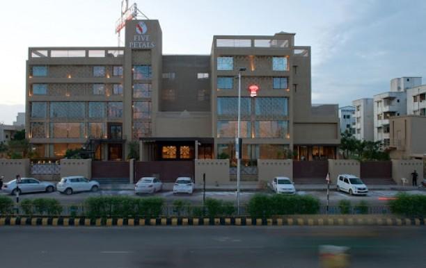 five-petals-hotel1.jpg