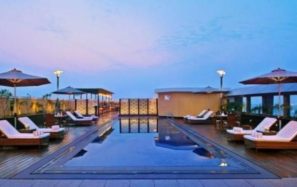 hotel-crystal-sarovar-premiere-pool-arae.jpg