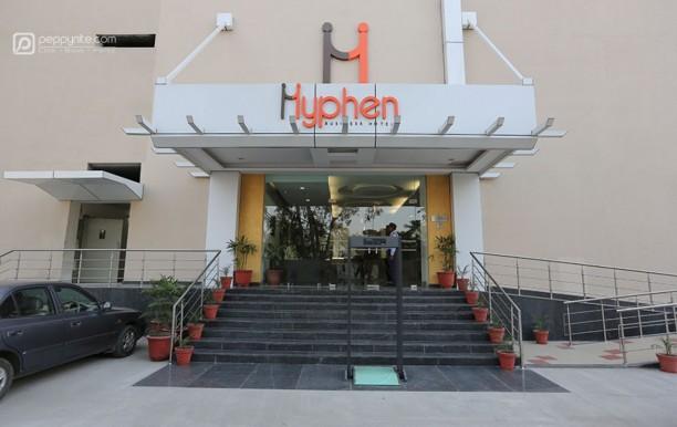 hotel-hyphen-premier-in-meerut-02.jpg