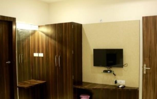 hotel-kamad-giri-1.jpg