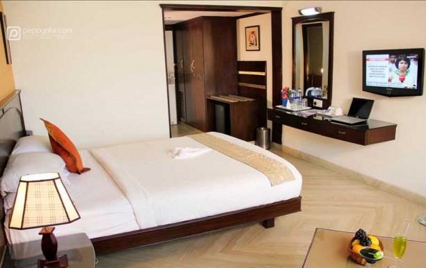 hotel-marks-grandeur-1.jpg