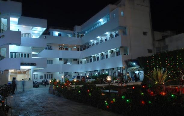 hotel-surana-palace2.JPG