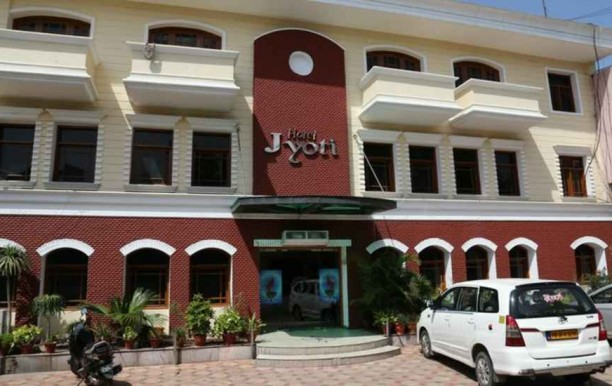 hotel_jyoti_entrance.jpg