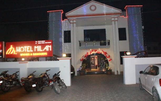 hotel_milan_front1.JPG
