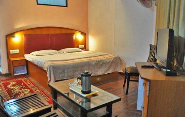 m-hotel.jpg