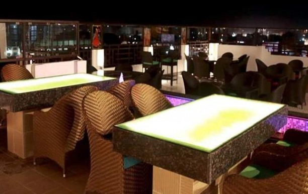 skybytes-rooftop-restaurant2.jpg