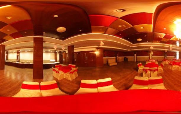 sunny_club_hall.jpg
